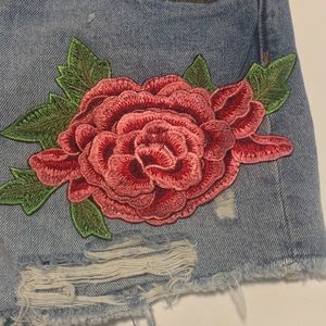 Zara Shorts - Zara Embroidered Patch High Waisted Short Size 4